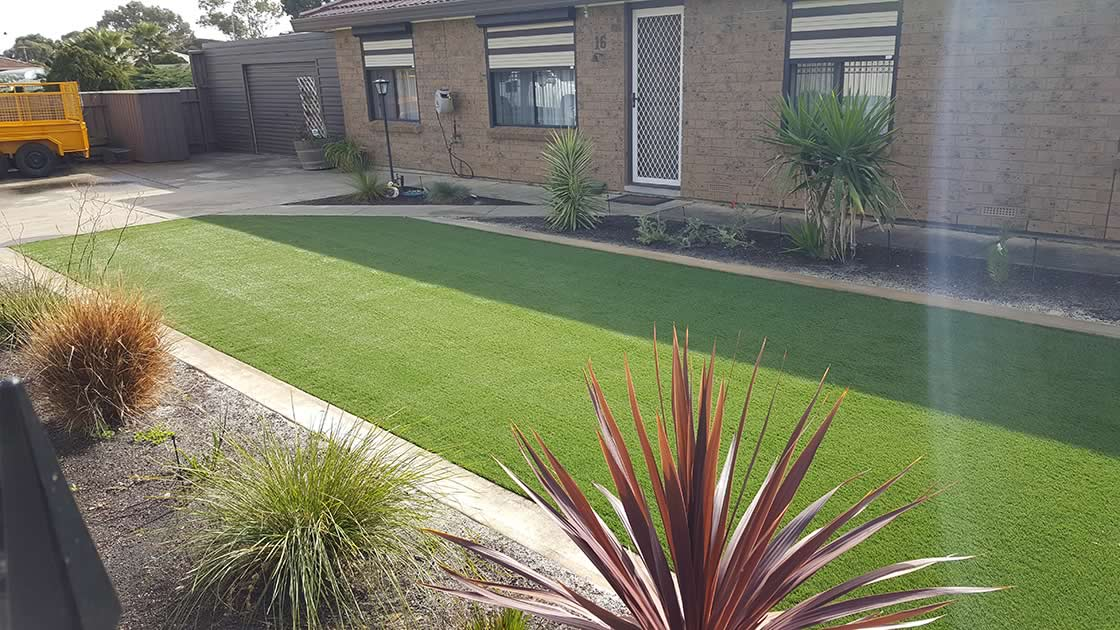 residential artificial grass 3 before b